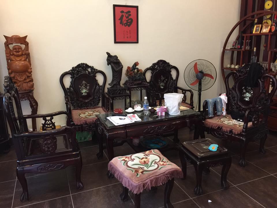 cửa hàng mua bán bàn ghế gỗ cũ giá cao uy tín