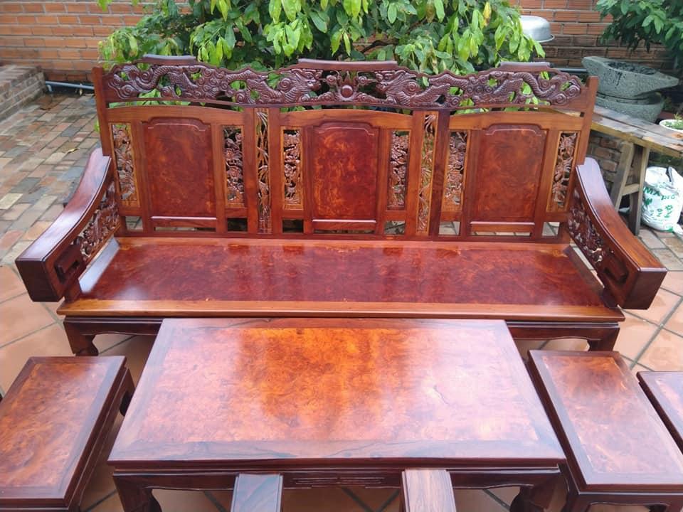 nhận thanh lý bàn ghế gỗ cũ xưa và nay