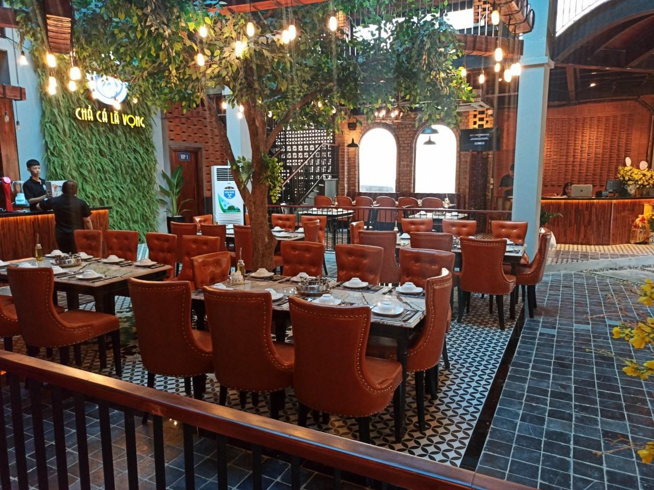 bàn ghế nhà hàng cũ thanh lý