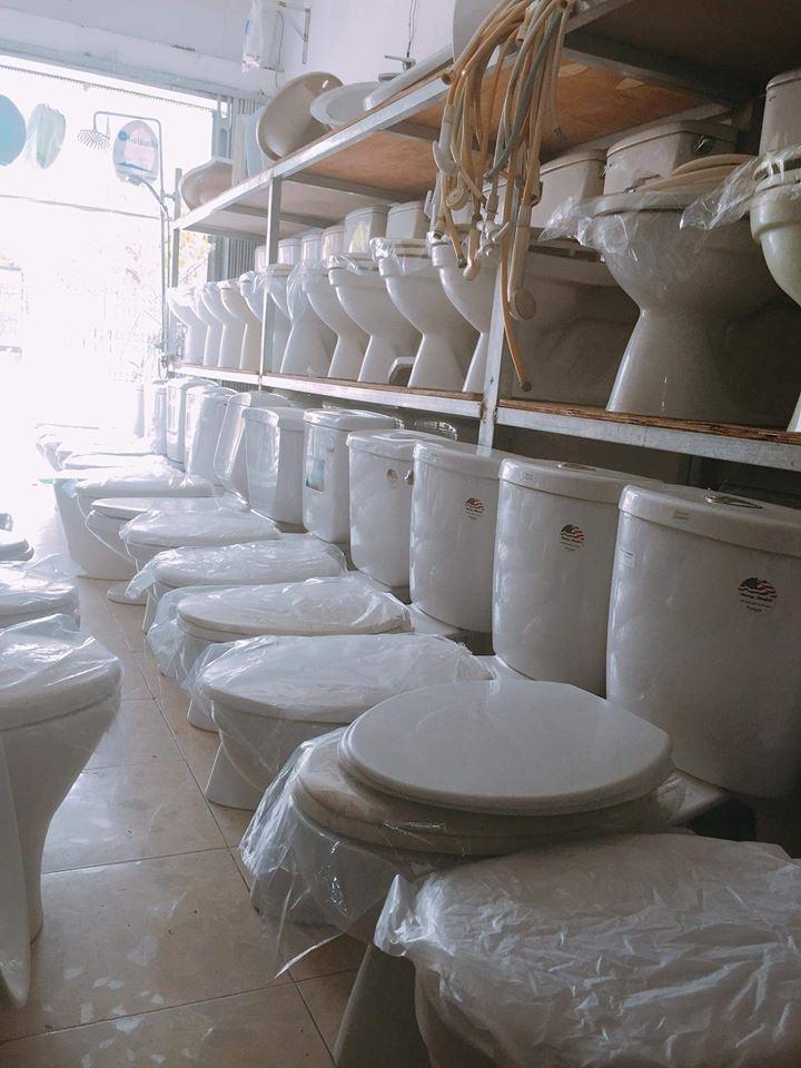 bồn cầu thiết bị vệ sinh cũ
