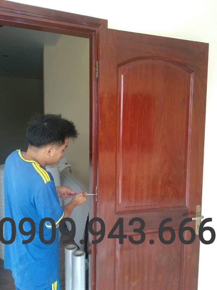 mua cửa gỗ phòng ngủ