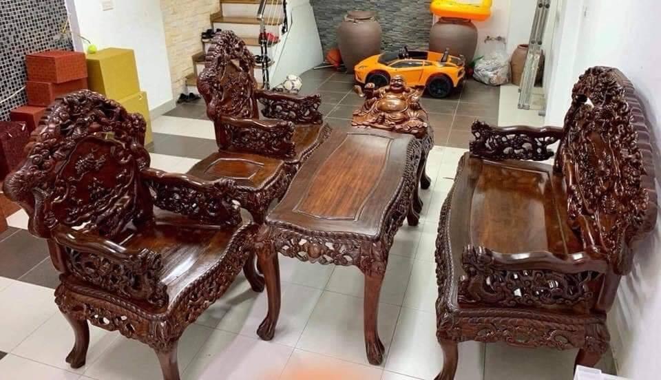 mua bàn ghế gỗ giá cao